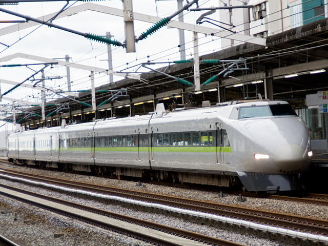 新幹線100系こだま(三井住友色)の写真(フリー素材)