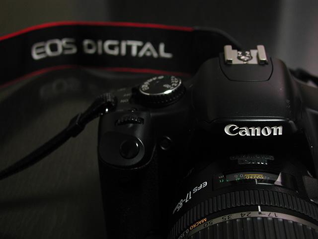EOS Kiss X2 と EF-S17-85mm F4-5.6 IS USMの写真(フリー素材)
