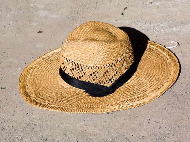 麦藁帽子(むぎわらぼうし)の写真(フリー素材)