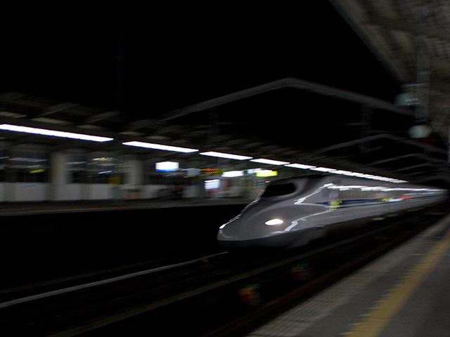 新幹線N700系の写真(フリー素材)