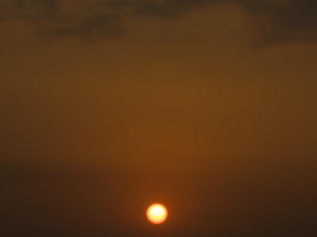 夕日の写真(フリー素材)