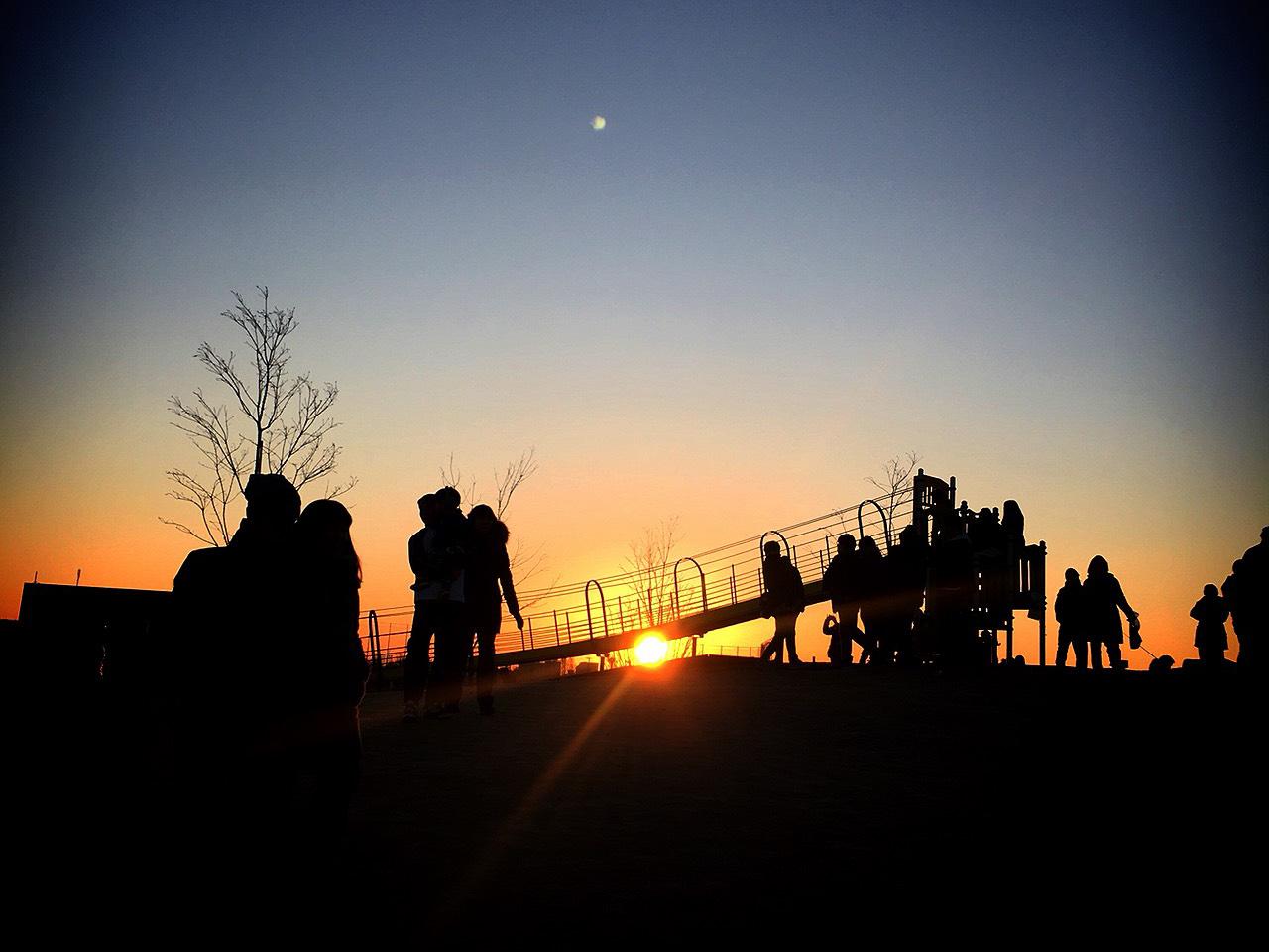 初日の出の光の写真(フリー素材)